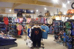 Warren Trading using Dymond shopfittings